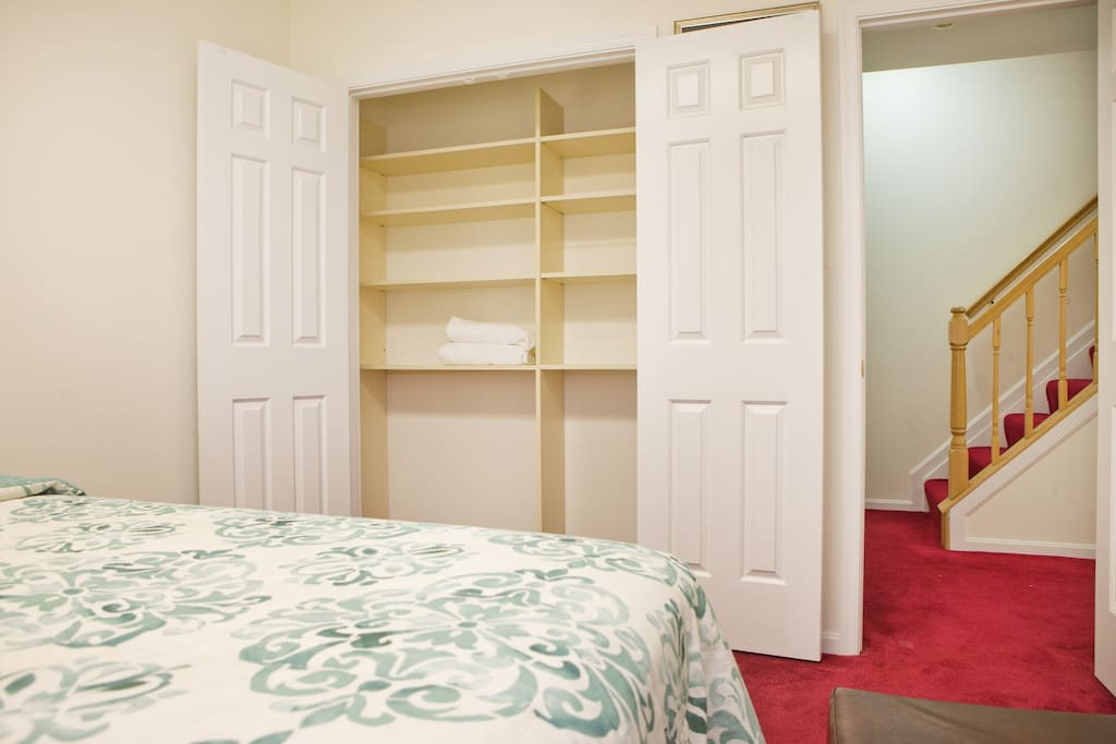Clean Private Basement Walk To Train DC Full Bed Townhouses For Rent In Si