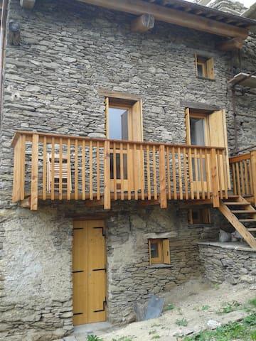 Casa sul Viso appena ristrutturata - Ostana - Haus