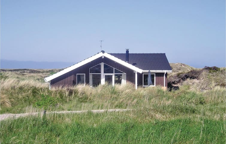 Holiday cottage with 3 bedrooms on 86m² in Frøstrup