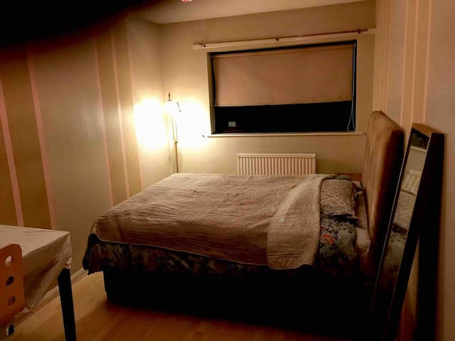 Large double room in quiet yet central location