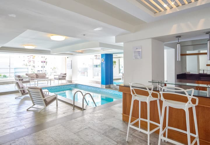 *1BR* Apart  W/POOL/SAUNA/GYM, Downtown