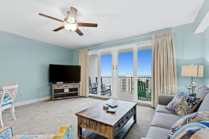 Gulf View, 12th-Floor Condo w/ Balcony, Beach Access, 5 Shared Pools & Hot Tubs!