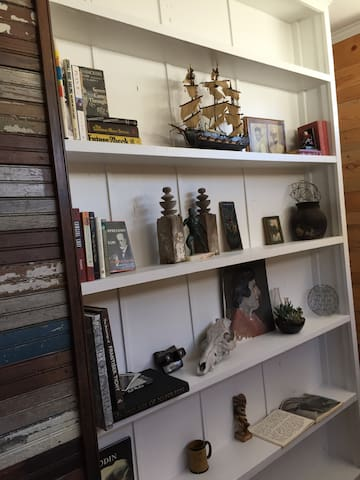 Collection of interesting finds, books, art.