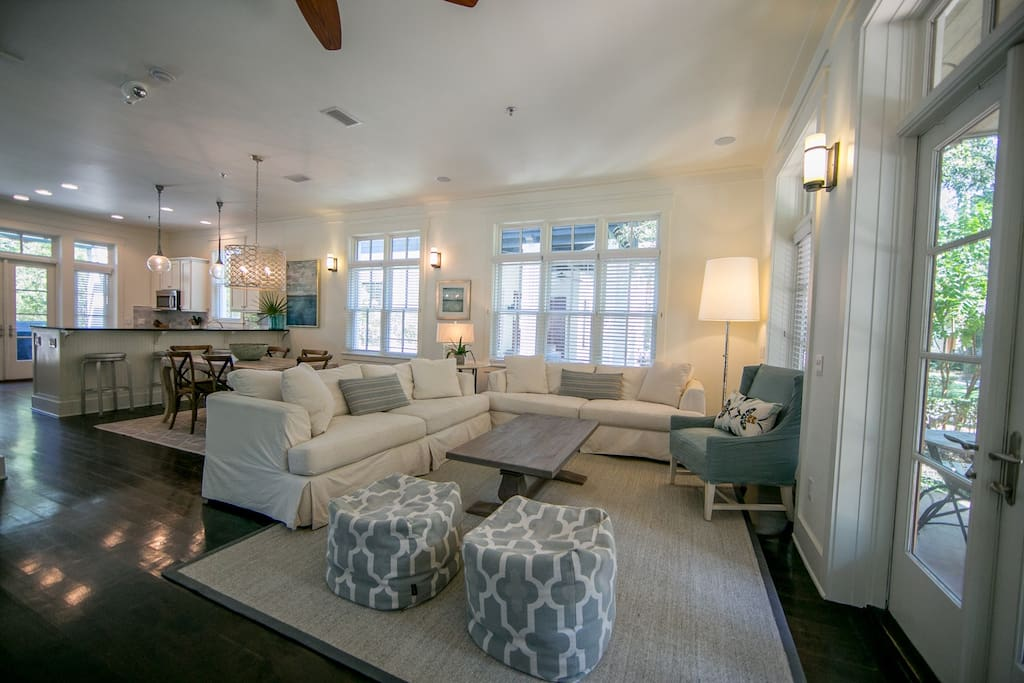 Nautilus Cottage is the perfect Open Concept Beach House.  Sleeps 10.