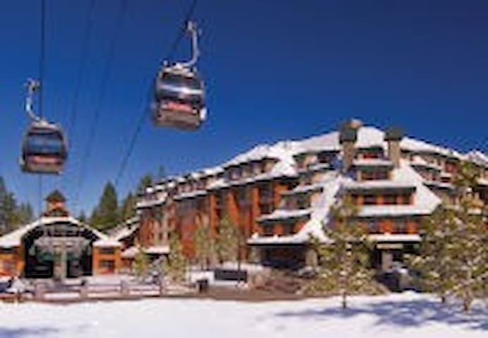Marriot Timber Lodge, Lake Tahoe SKI IN AND OUT