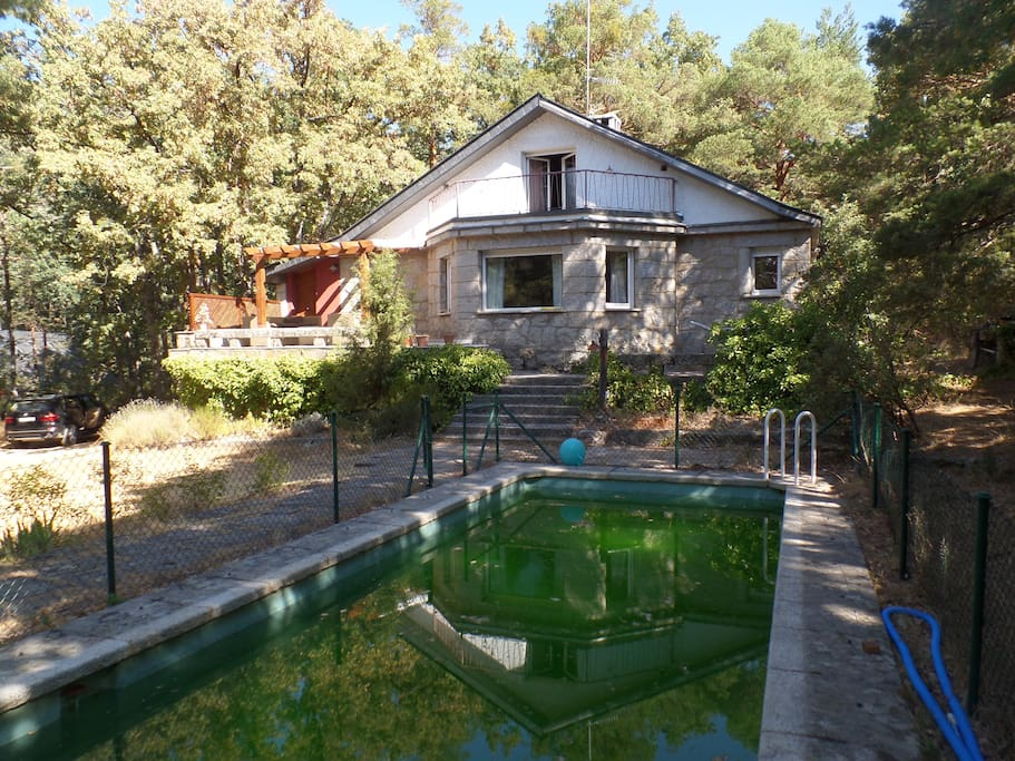 Casa en pleno coraz n de la sierra de guadarrama casas for Casas de alquiler en la sierra de madrid