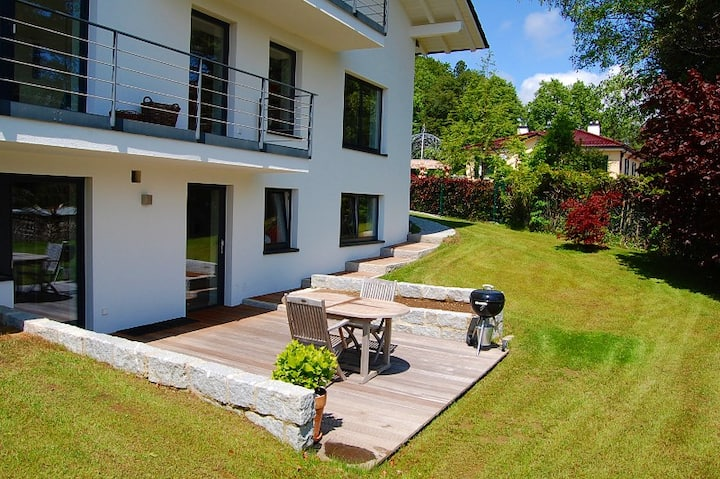 Holiday flat close to the lake with own entrance