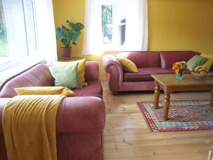 Bright sunny bungalow with lovely gardens & views