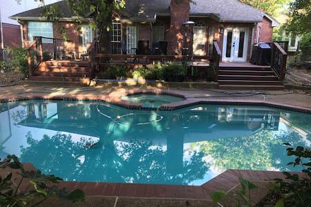 Beautiful single story house, deck, pool & spa