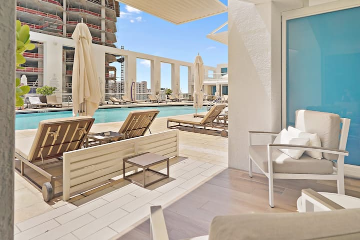The Ocean Resort Residences | Studio King Suite Poolside