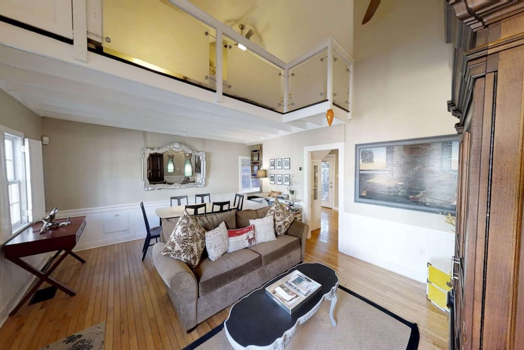 Master bedroom lofted above the living/dining room
