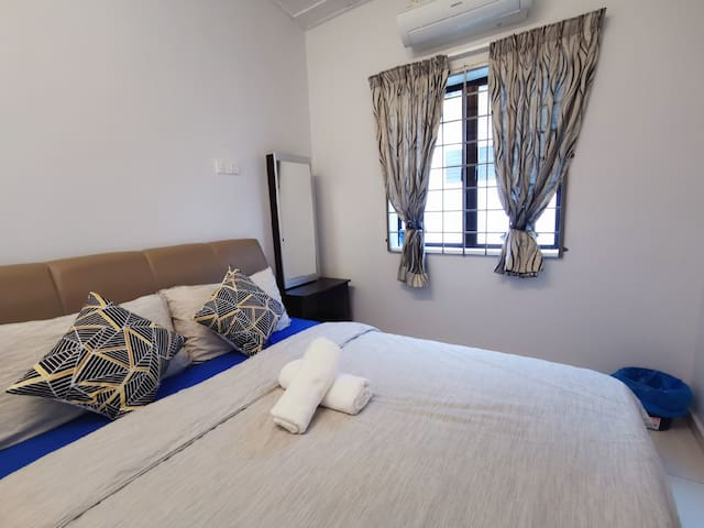 ★★ Cozy 2pax room with living room Air putih ★★
