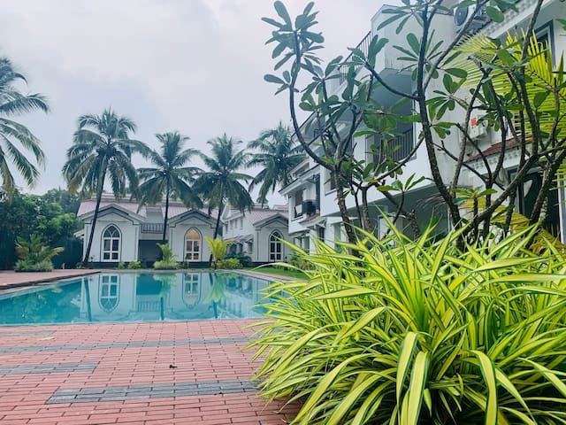 Honeymoon Special Pool Front 1 BHK Cozy Apartment