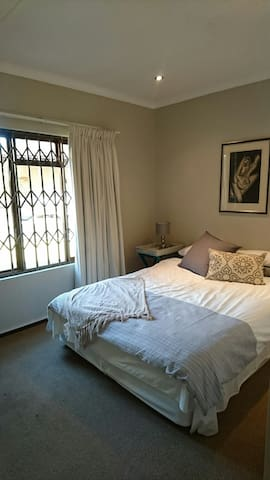 Cozy Cottage - Roodepoort - Apartment
