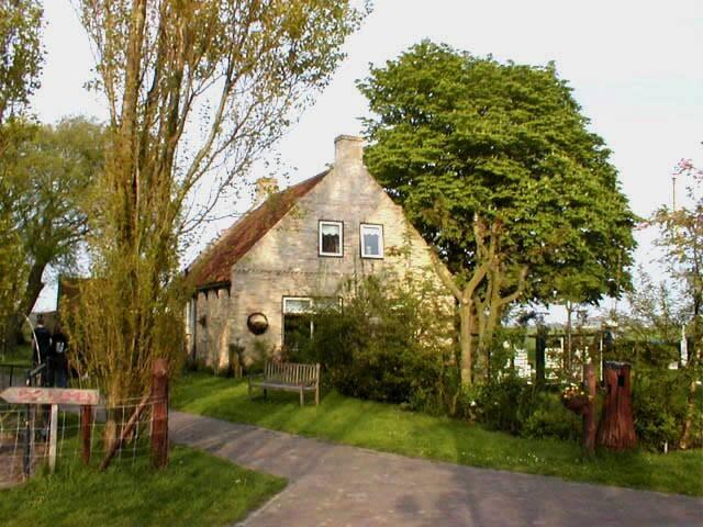 Oude boerderij. Het voorhuis.