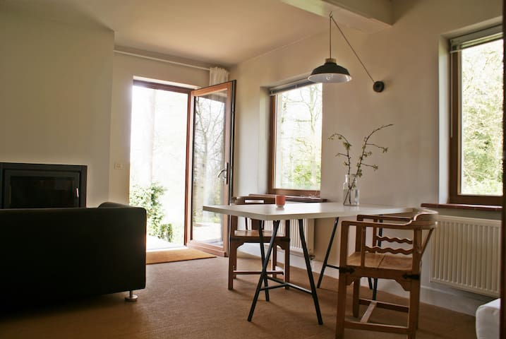 Le-zen: quietness upon a hill - Ronse - Apartment