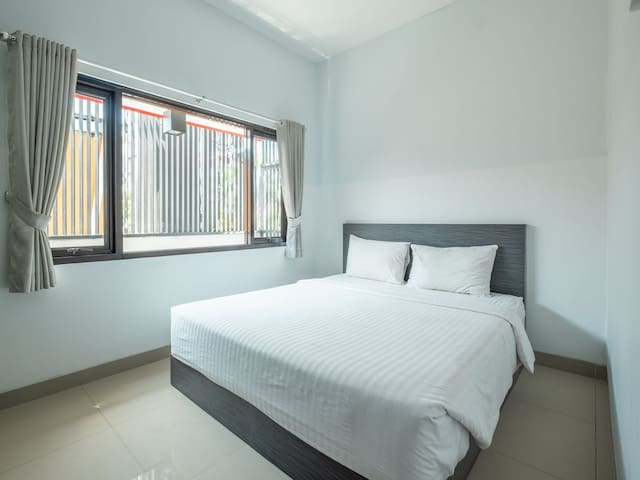 "Pondok 24 ""Cozy Stay in Cirebon"""
