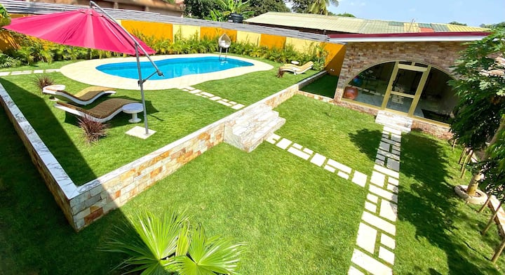 Lukas Garden Accra with Pool