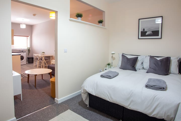 Bedford Mews - Lower Ground Floor Apartment