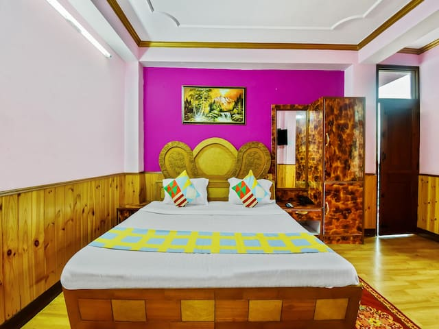 OYO - 1BR Vibrant Retreat for Couples in Shimla
