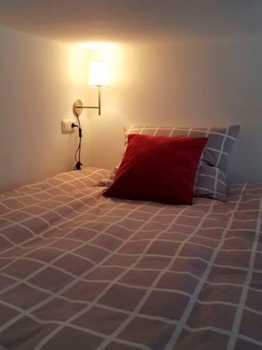 top lage helles zimmer mit hochbett wohnungen zur miete in wiesbaden hessen deutschland. Black Bedroom Furniture Sets. Home Design Ideas