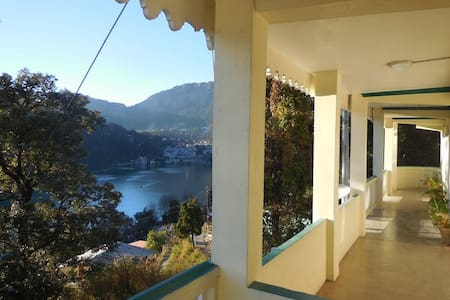 Kurmanchal Lakeside Homestay - Nainital - Hus