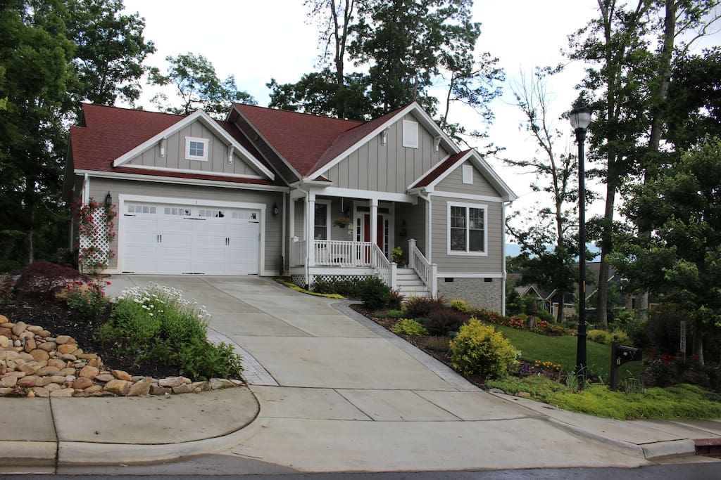 Your cottage, minutes from downtown Asheville & Biltmore