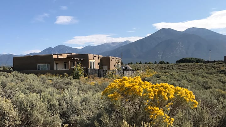 Quiet Luxury. Mountain Views. Perfect Location.