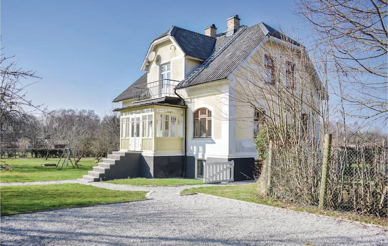 Holiday cottage with 4 bedrooms on 200m² in Höganäs