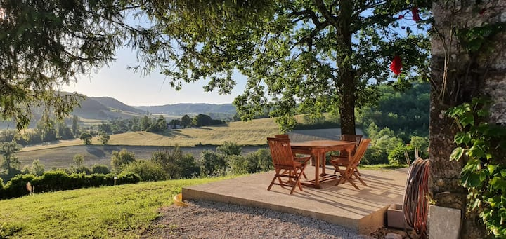 French Cottage with a view in South-Western France