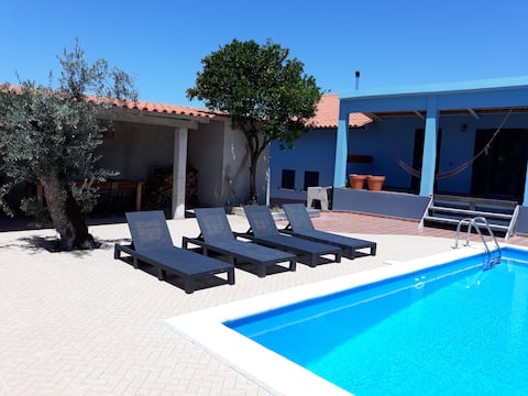 3marias, spacious, quiet,private pool,river beach 2+5km