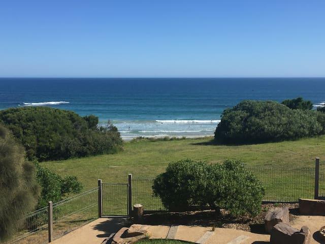Absolute Beachfront Romantic Getaway