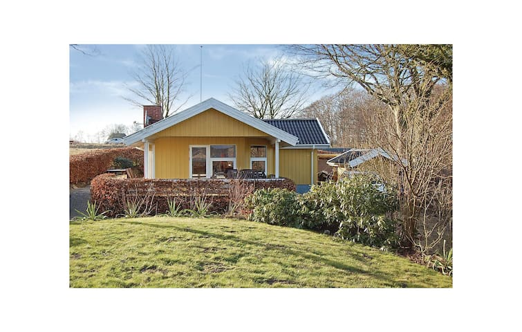 Holiday cottage with 3 bedrooms on 62 m² in Fredericia
