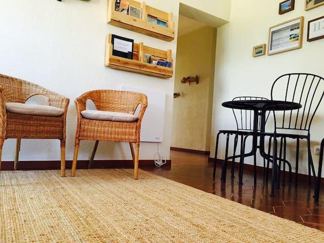 ESPIGAS: Family room & breakfast & beach