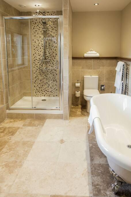 Arad Bathroom