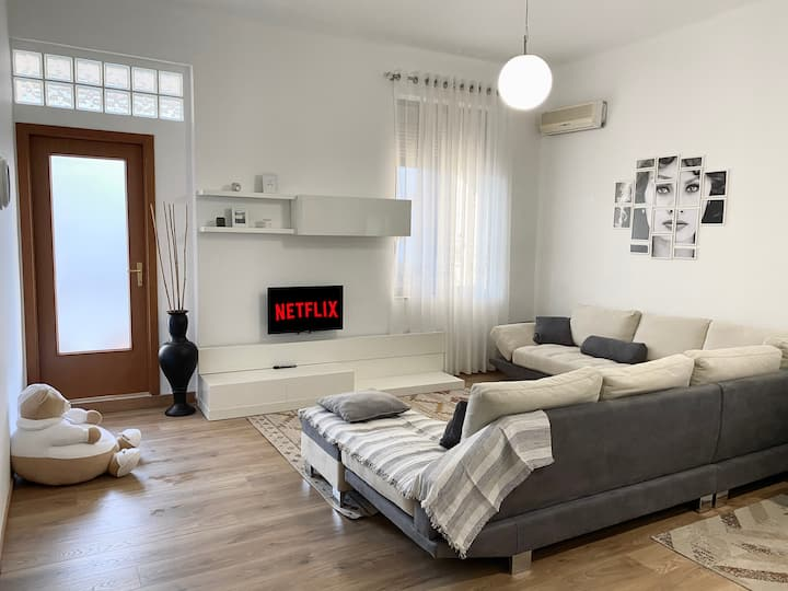 #Cozy #Apartment located #near the City #Center