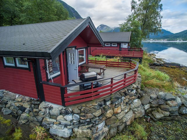 Cabin 2 - 6 Persons by the Fjord Vestnes Tresfjord