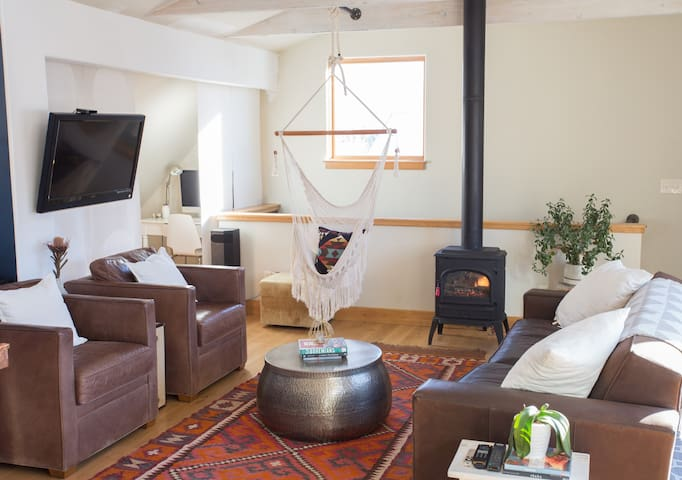 Modern Bohemian Apartment - Carbondale - Appartement