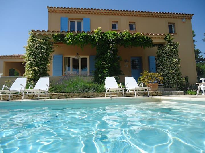 Luxe Villa Saumane met privézwembad