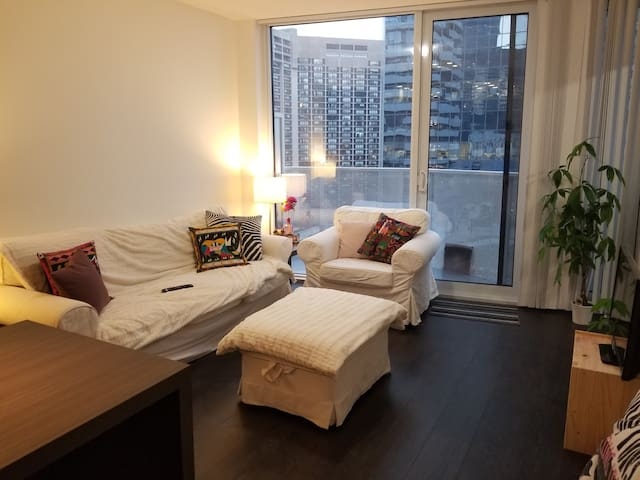 Private room in the heart of Downtown Toronto