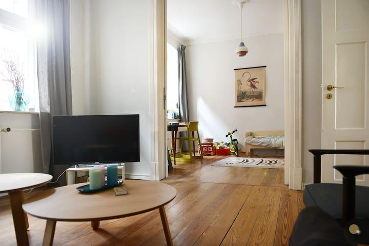 Schöne & zentrale Wohnung im historischen Burghof - Flensburg
