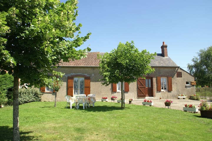 Rural house with fantastic views over the Loire Valley