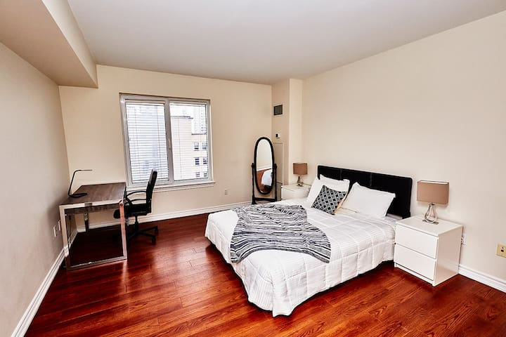 Furnished 2BR Suite Rideau Canal in Ottawa