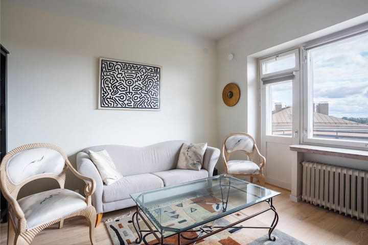 Stylish & Airy Penthouse WeHost @Messeniuksenkatu