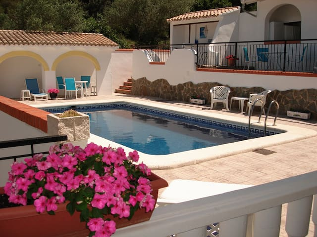 Pool Apartment - 3 bedroom apt in Villa with pool - Simat de la Valldigna - Apartamento