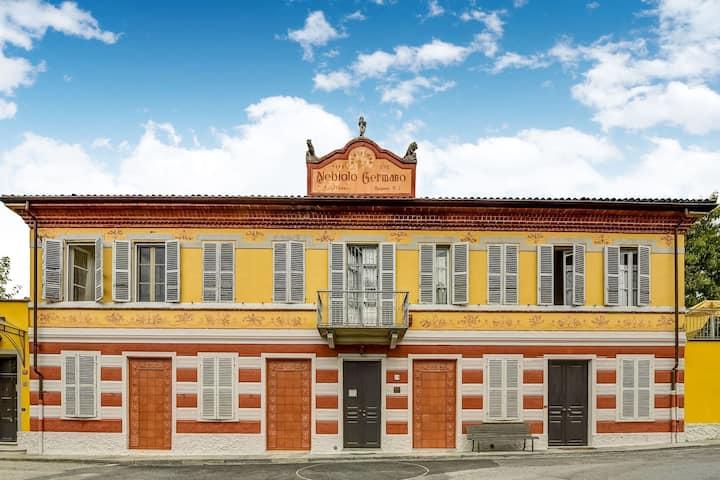 Propriété piémontaise typique dans un ancien bâtiment majestueux.