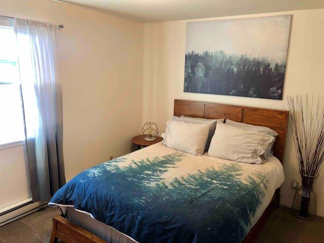 Private comfortable room with Private Bath