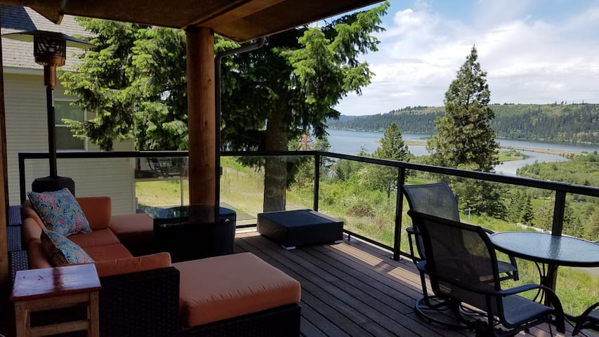 Lake view cabin in Harrison with amazing view