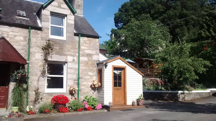 Ardlevale Cottage - Pitlochry - Apartment