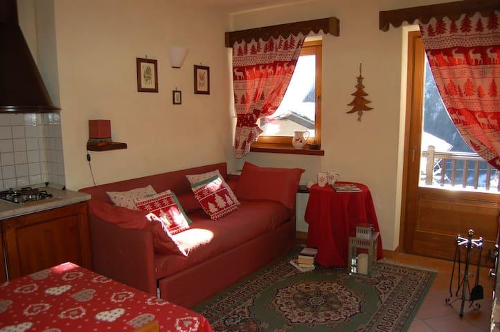Appartamento bilocale 4 posti - Brusson - Bed & Breakfast